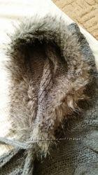 Серая стильная шапочка-шарф с мехом на любой размер