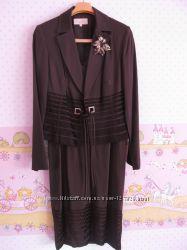 Красивый костюм - платье с пиджаком