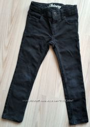 Джинсы-скинни Crazy8, кожаные босоножки в подарок