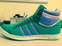 Оригинальные высокие кроссовки Adidas