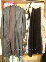 Кожаное пальто с подстежкой  и воротником 48 р.