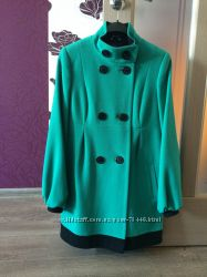 Яркое пальто 44 размера