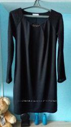 Нарядне чорне плаття .