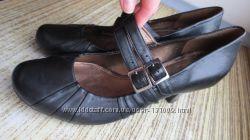 Новые туфли Clarks 39р-25, 5см в стиле Мэри Джейн