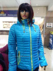 Куртка женская яркая