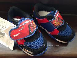 Новые кроссовки фирмы Disney