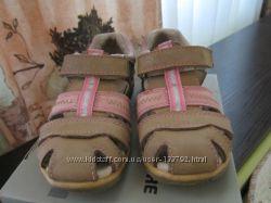 Летние сандалики 26 р