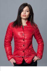 Яркие женские куртки деми-молодежка