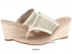 UGG Australia Womens Solena Cream Leather Sandal 9M US