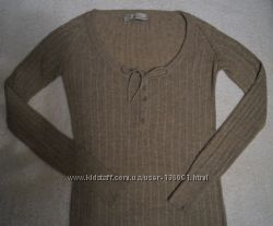 Бежевый свитер Zara