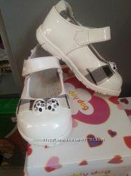 Туфли BUDDY DOG белые лакированные