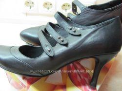женские кожаные туфли Braska р. 39