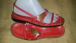 37р-24 см кожа  Bally  24 см красная стелькаокантовка ширина стельки 8 см