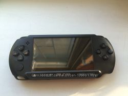 Продам PSP 1000 , карта памяти 8 gb. Оригинал.