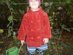 Пальто для девочки фирмы H&M на 3 года , красное двубортное