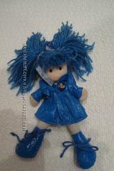 Кукла в интересной одежде с мягким туловищем