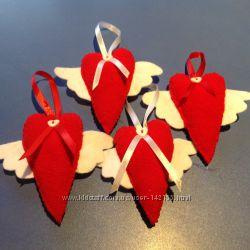 Милые сердечки с крылышками  к Дню влюбленных