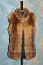 Жилетка красивая из меха лисы тонированная
