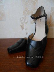 Кожаные открытые туфли закрытые босоножки Monarch 40 р.