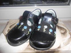 Очаровательные лаковые туфельки для ножки 13 см