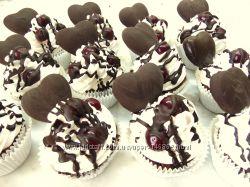 торты, пирожные, пряники -сердечки