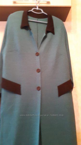 Вязаное женское пальто р. 58-60