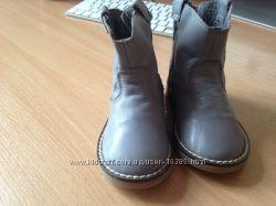 дитячі черевички ZARA та ROBERTO CAVALLI