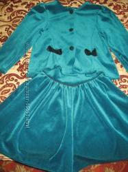 Продам велюровый костюм изумрудного цвета на девочку 116 рост