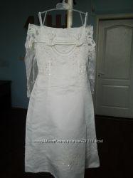 Очаровательное выпускное нарядное платье на девочку 5-7лет