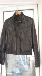 Куртка кожаная  цветочным тиcнением S