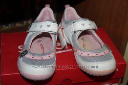 Новые туфельки очень дешево Superfit 29 р. для девочки