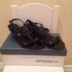 Женские сандали  босоножки Braska