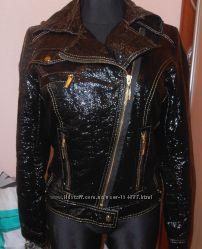в наличии куртка ветровка Lasagrada в 38 размере