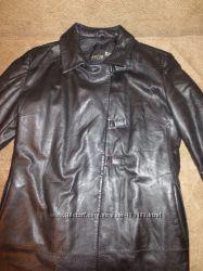 Демисезонная, кожаная куртка.