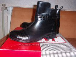 Новые кожаные ботинки фирмы Агат Россиия