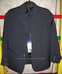 Школьный костюм, 140-146, новый