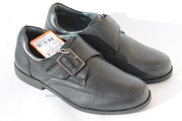 Школьные кожаные туфли р. 32,33,37 на липучке.