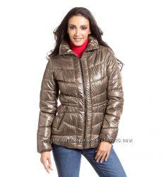 Легкие и теплые демисезонные куртки для женщин с C&A