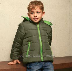 Демисезонная курточка на мальчика.