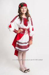 Вишиванка для дівчинки, вишитий сценічний костюм Веснянка