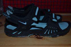 Сандалии женские Nike