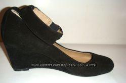 ANDRE новые замшевые туфли, р. 36