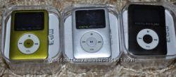 MP3 плеер с динамиком и дисплеем.