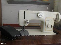 Швейная машинка Чайка 132 М, с ножным приводом