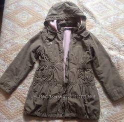 Удобная куртка-ветровка