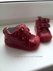 Новые деми ботиночки 18 р