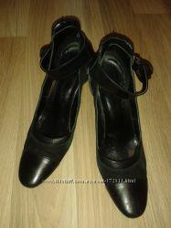 Туфли черные р. 37