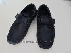 Удобные туфли-мокасины для школьника