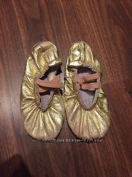 Золотые кожанные балетки, на ножку 16-18 см, для танцев, гимнастики, спорта