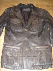 пиджак кожаный коричневого цвета 44р.